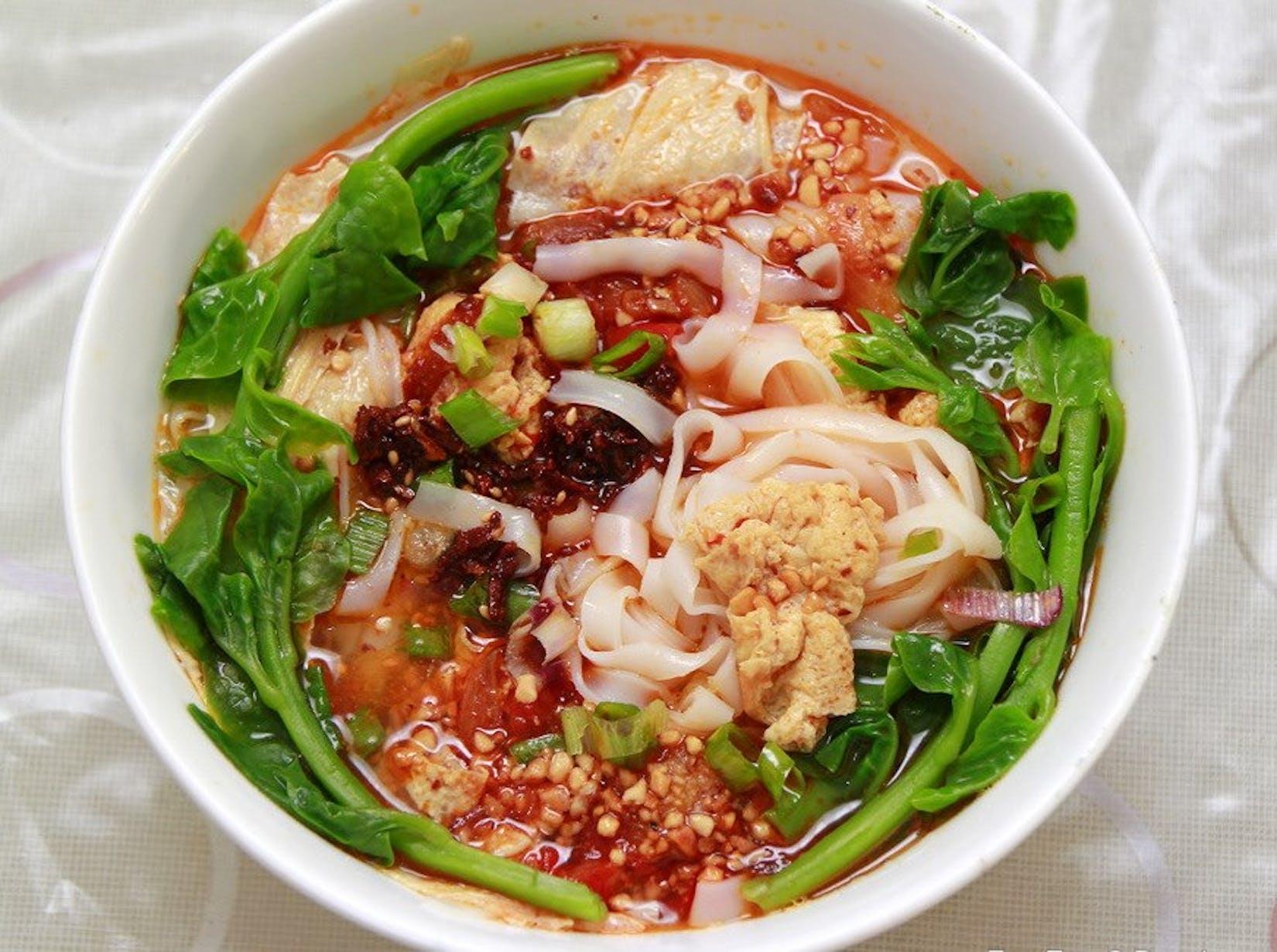 Taung Paw Thar noodle shop   yathar