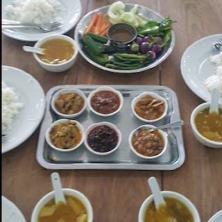 Shwe Ohm Pin Myanmar Food | yathar