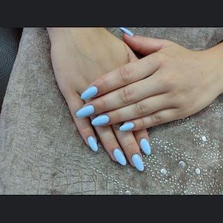 Chic's Nail Salon   Beauty