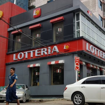 Lotteria (Lanmadaw Branch) photo by Kyaw Win Shein  | yathar