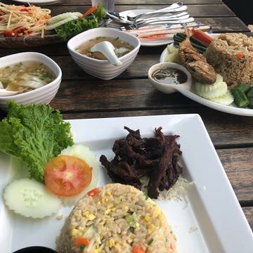 Manora Thai Cuisine & Bistro photo by Hana May  | yathar