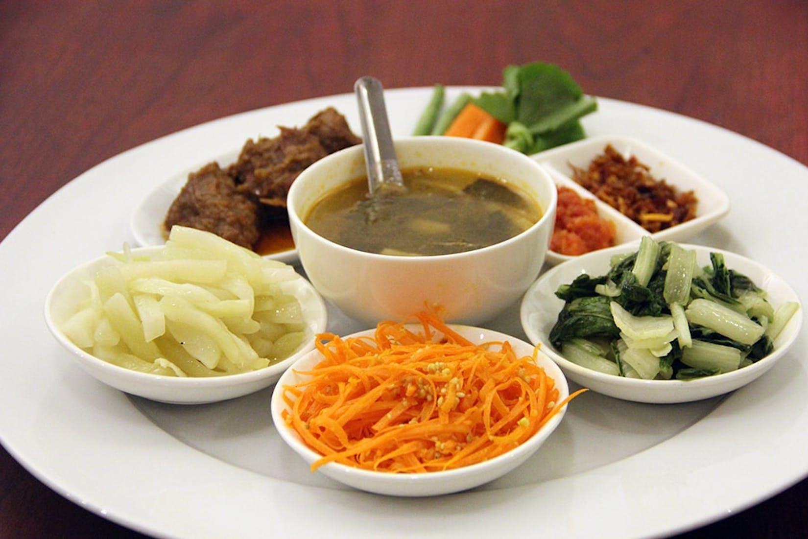 Shwe Let Yar 1 Restaurant   yathar