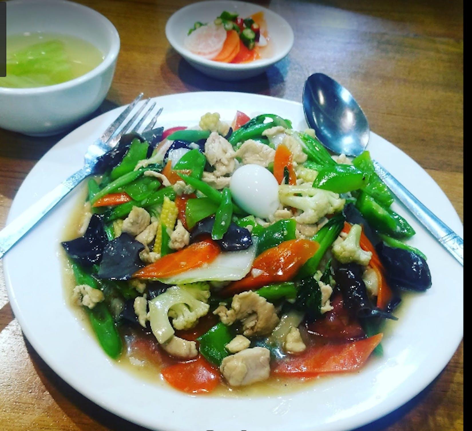 Tha Pyay Yeik Restaurant | yathar