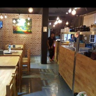 Han ARi Restaurant | yathar