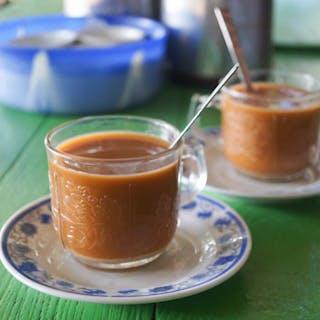 Swan Htet Naing Cafe | yathar