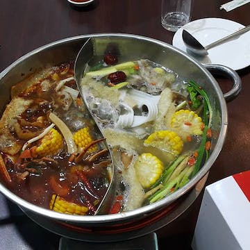 Family Hot Pot & bbq buffet photo by Kyalsin Thoon Hsu  | yathar