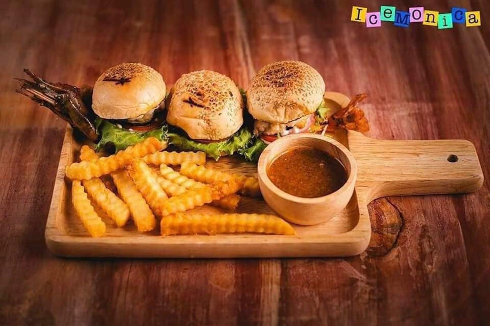 Ice-Monica Bingsu & Steak Bar | yathar
