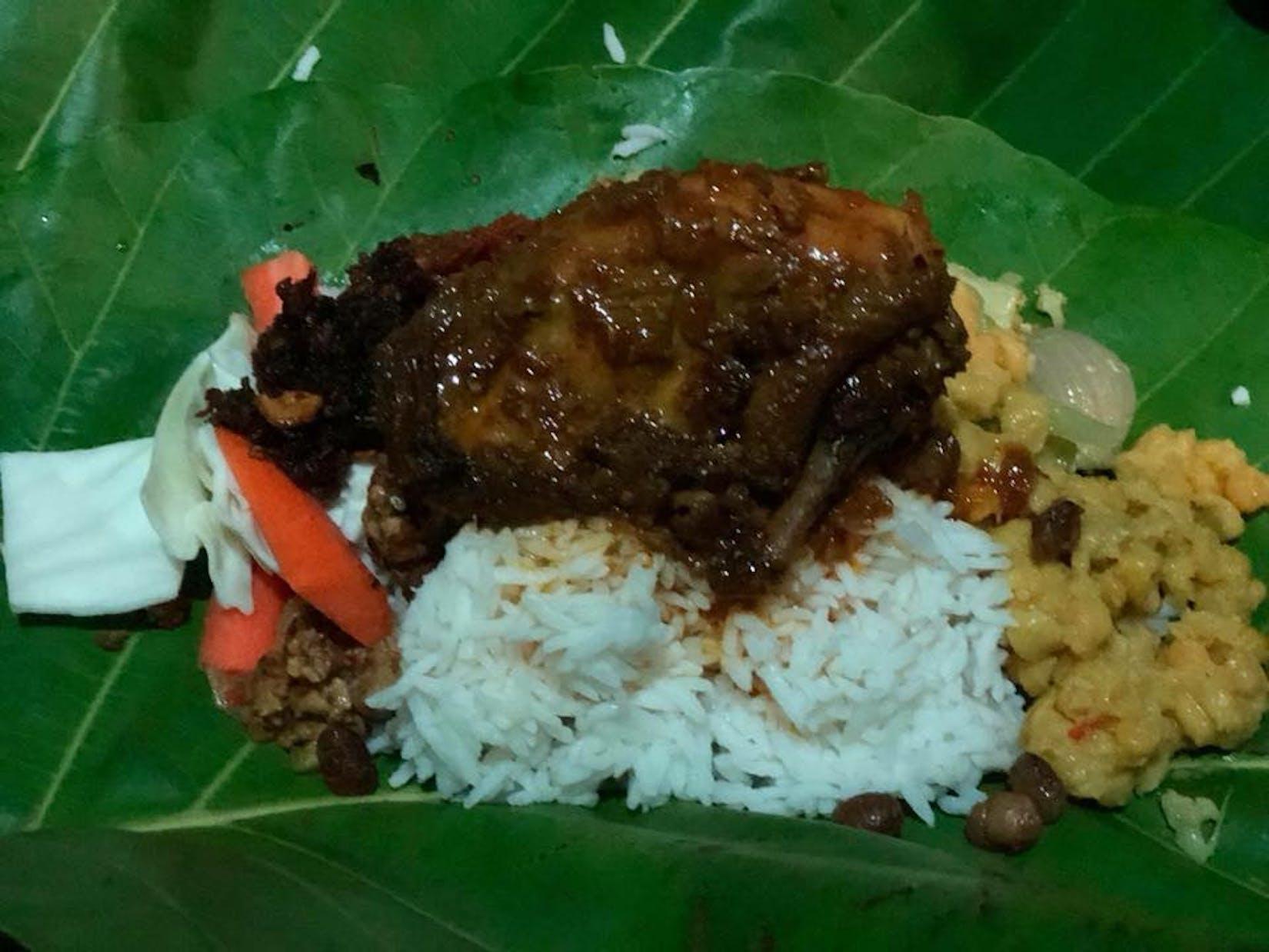 Ah Nyar Myay Restaurant | yathar