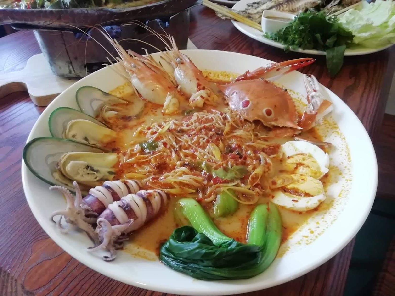 Thai Zapp Restaurant (ไทยแซ่บ) | yathar