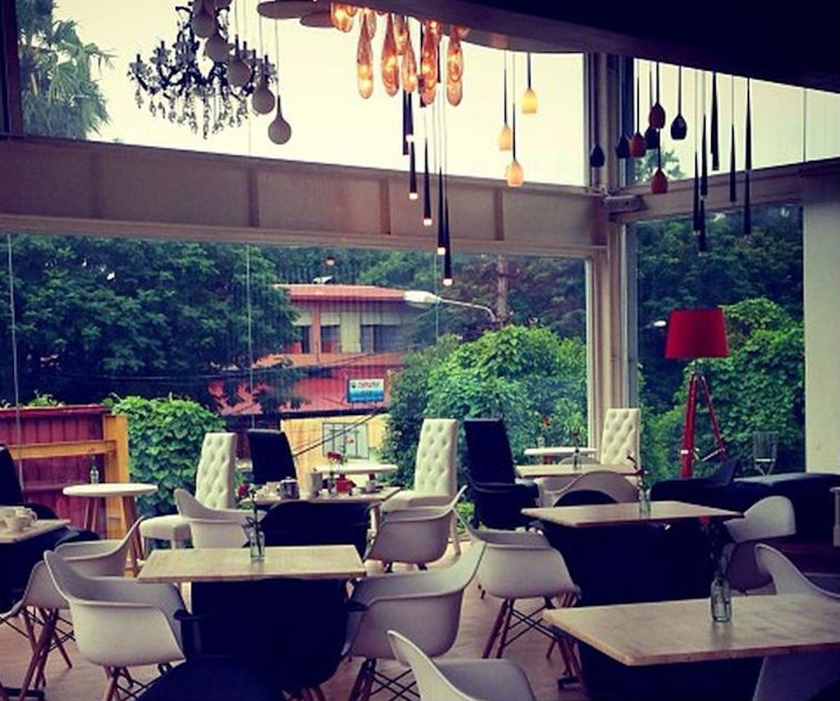 Cafe Terrace | yathar