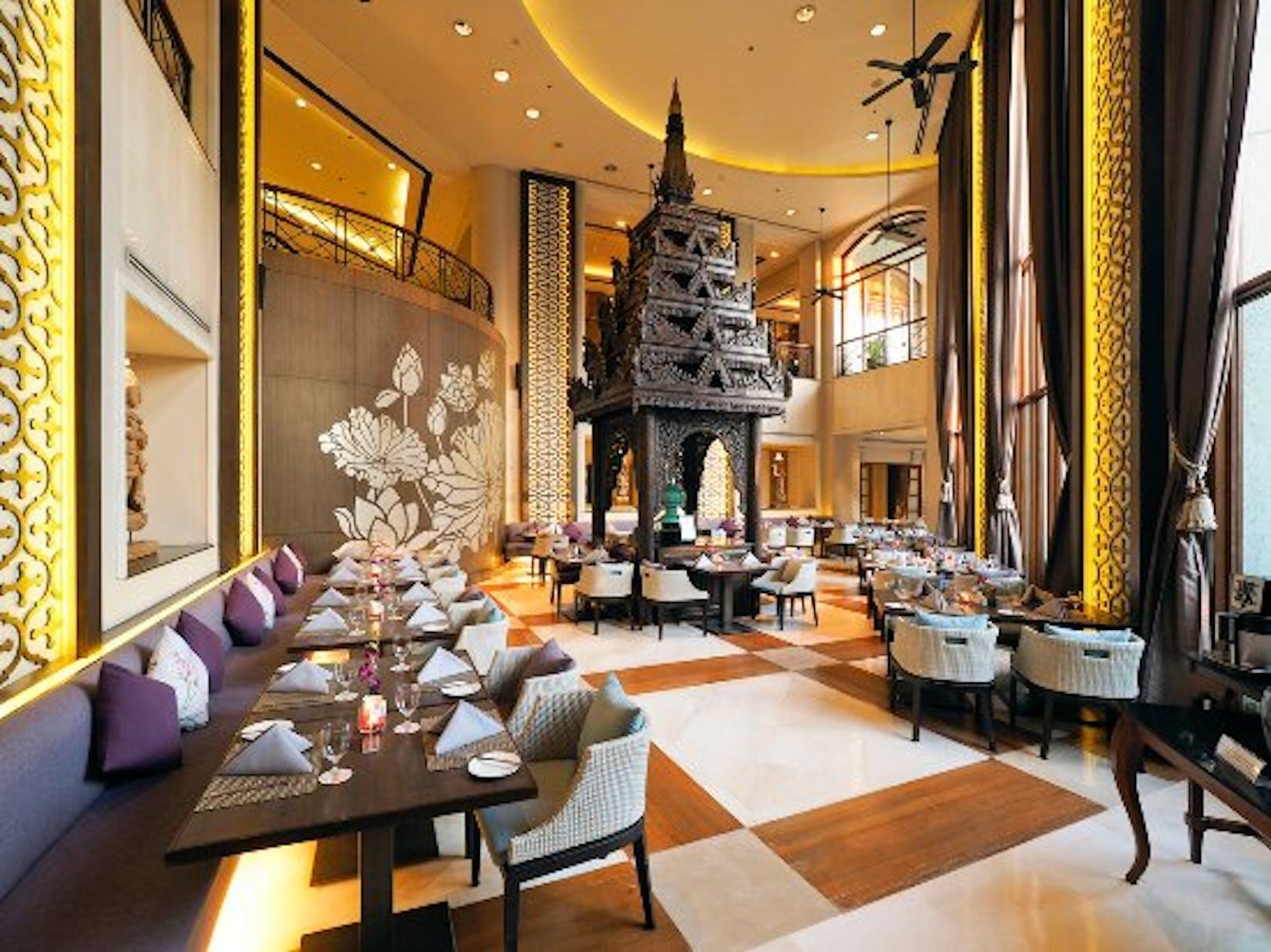 The Emporia Restaurant, Chatrium Hotel Royal Lake | yathar