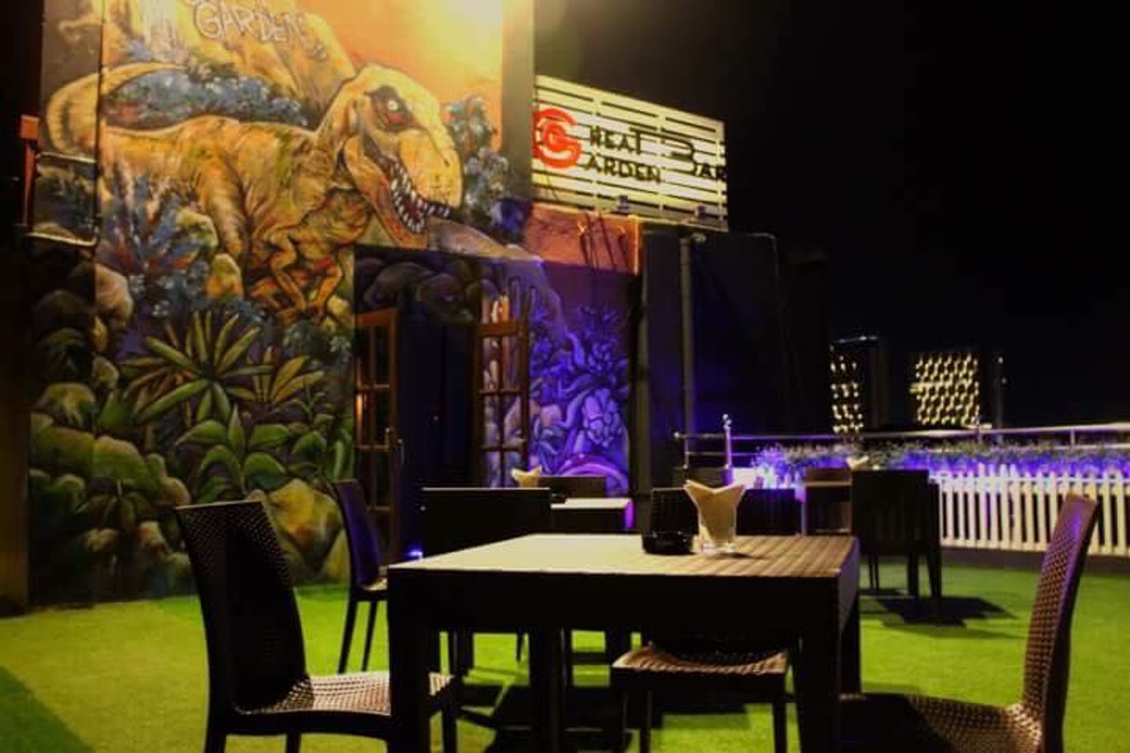 Skyline Rooftop Bar & Lounge by Great Garden | yathar