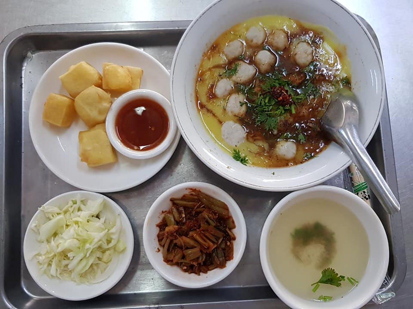 LINN (Family) Noodle & Juice Bar | yathar