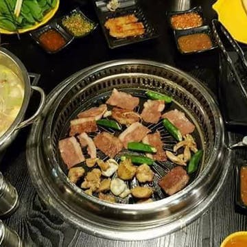 Wa Tote Kyee Special Hot Pot And BBQ Buffet photo by 市川 俊介  | yathar