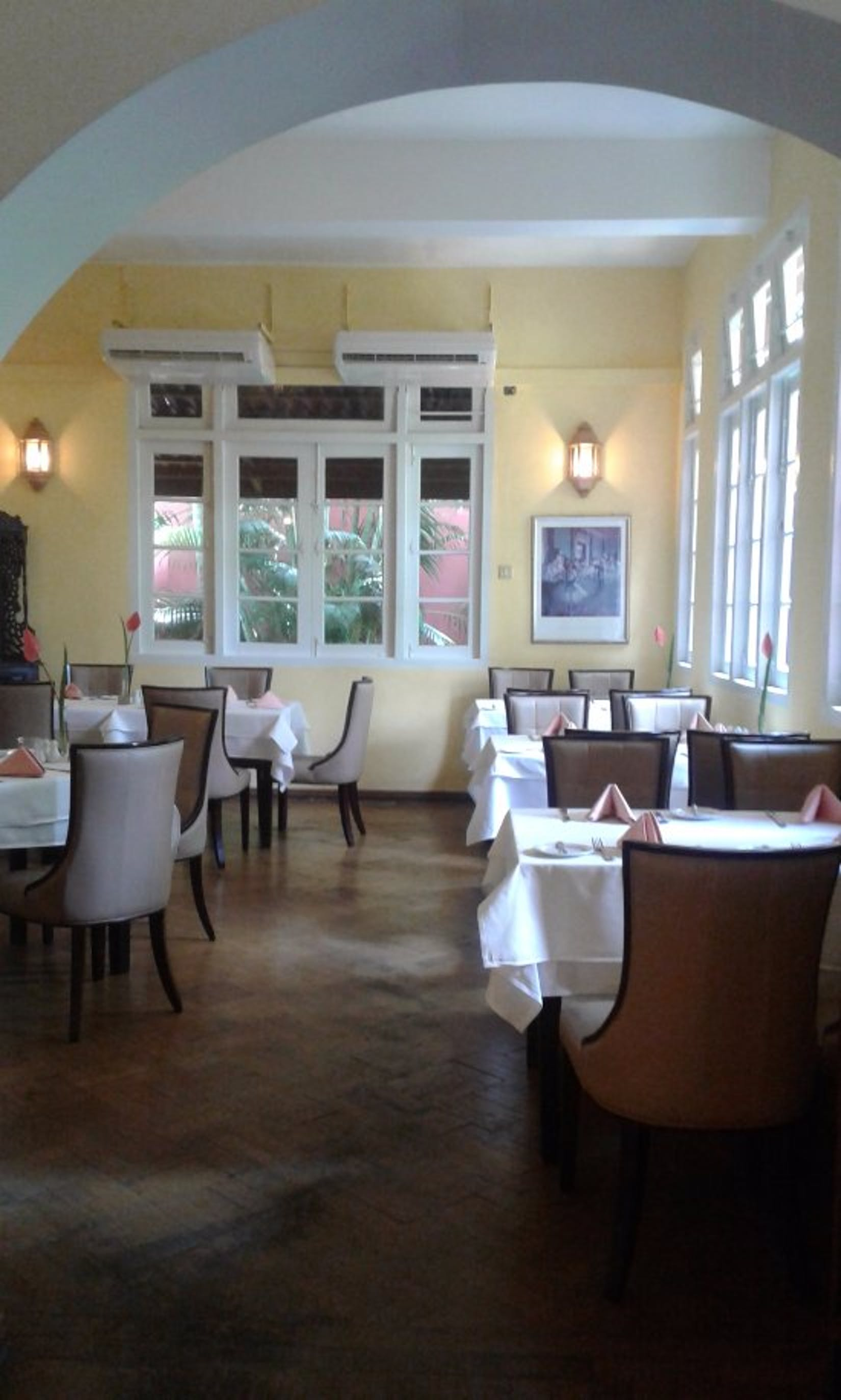 L'Opera Italian Restaurant & Bar (at Inya Lake) | yathar
