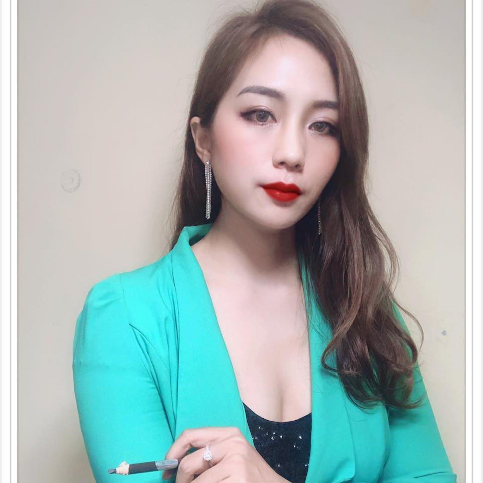 Fang Fang Eyebrow Artist   Beauty