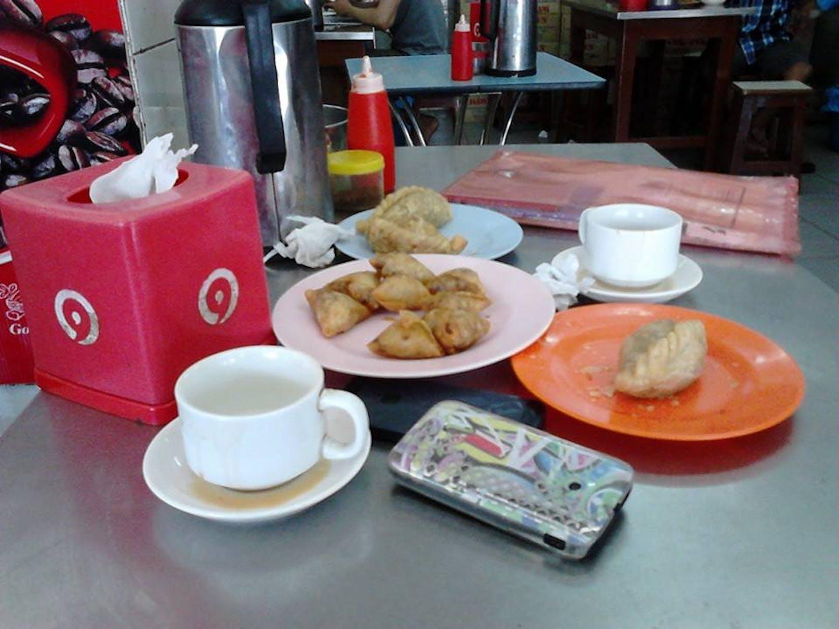 Maung Aye Cafe | yathar