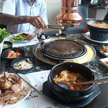 Little Korea BBQ photo by Tha Ra Phe  | yathar