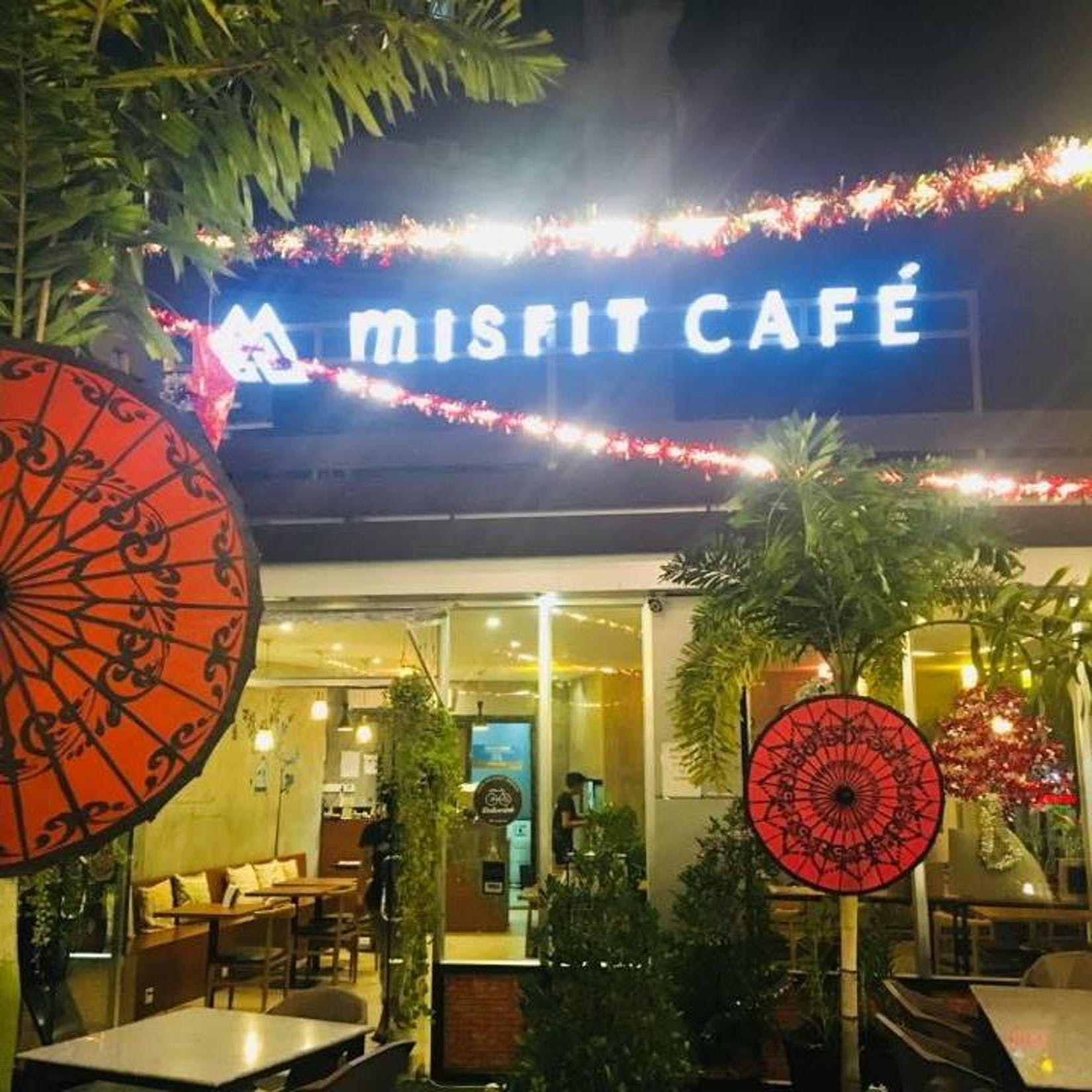 Misfit roof Cafe | yathar