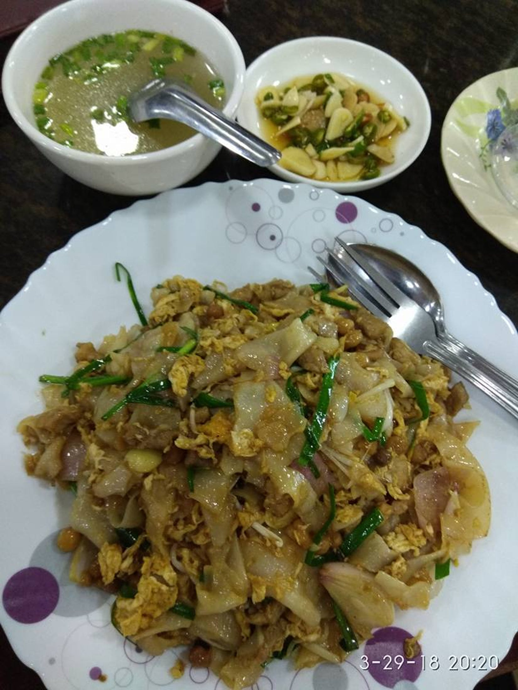 Shwe Kaung Kywel Tea Shop | yathar