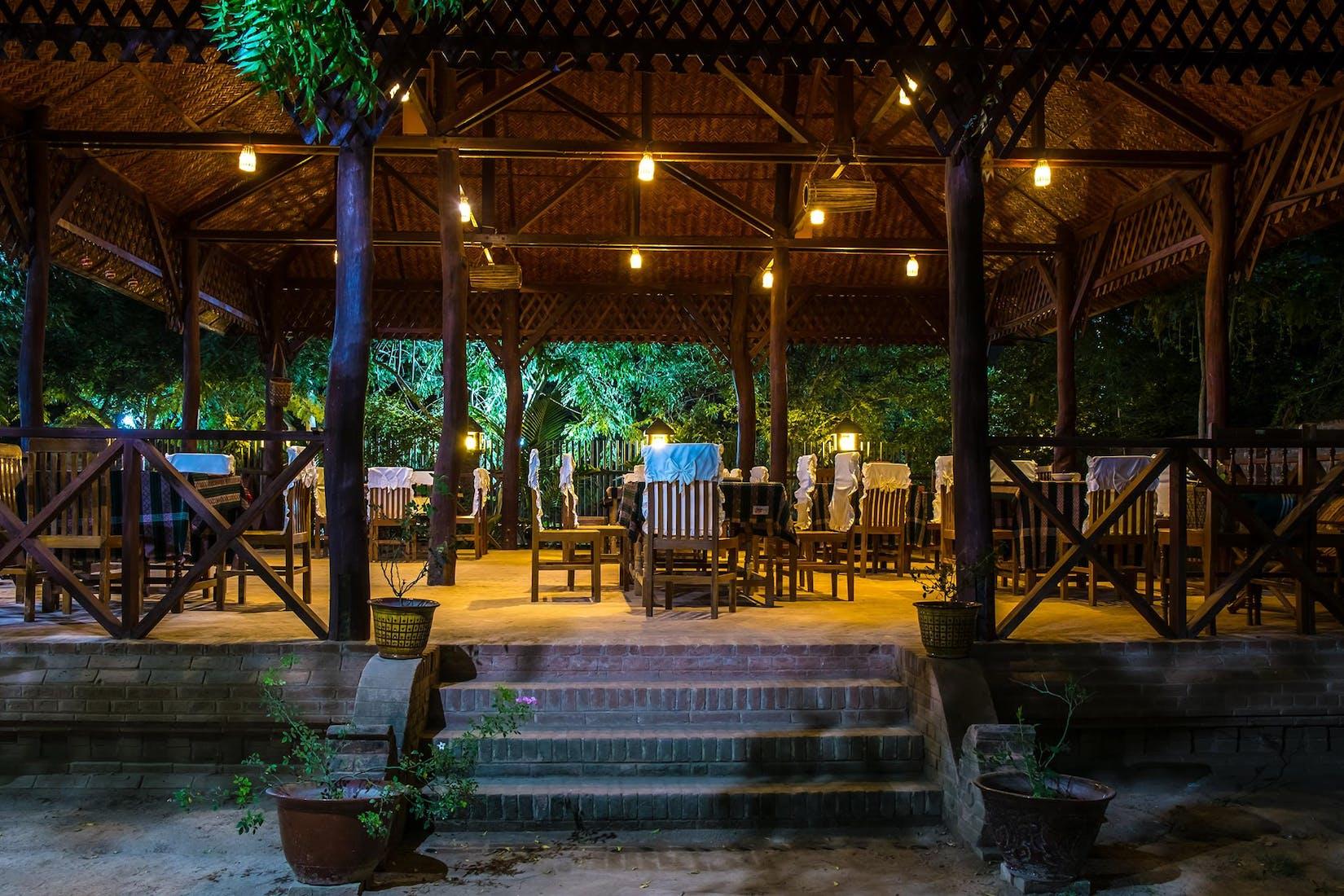 Kyaw Kitchen restaurant and Cooking class | yathar