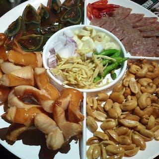 HayDay Bar & grill   yathar
