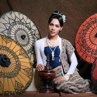 Kaung Myat Minn - Make-Up Artist   Beauty
